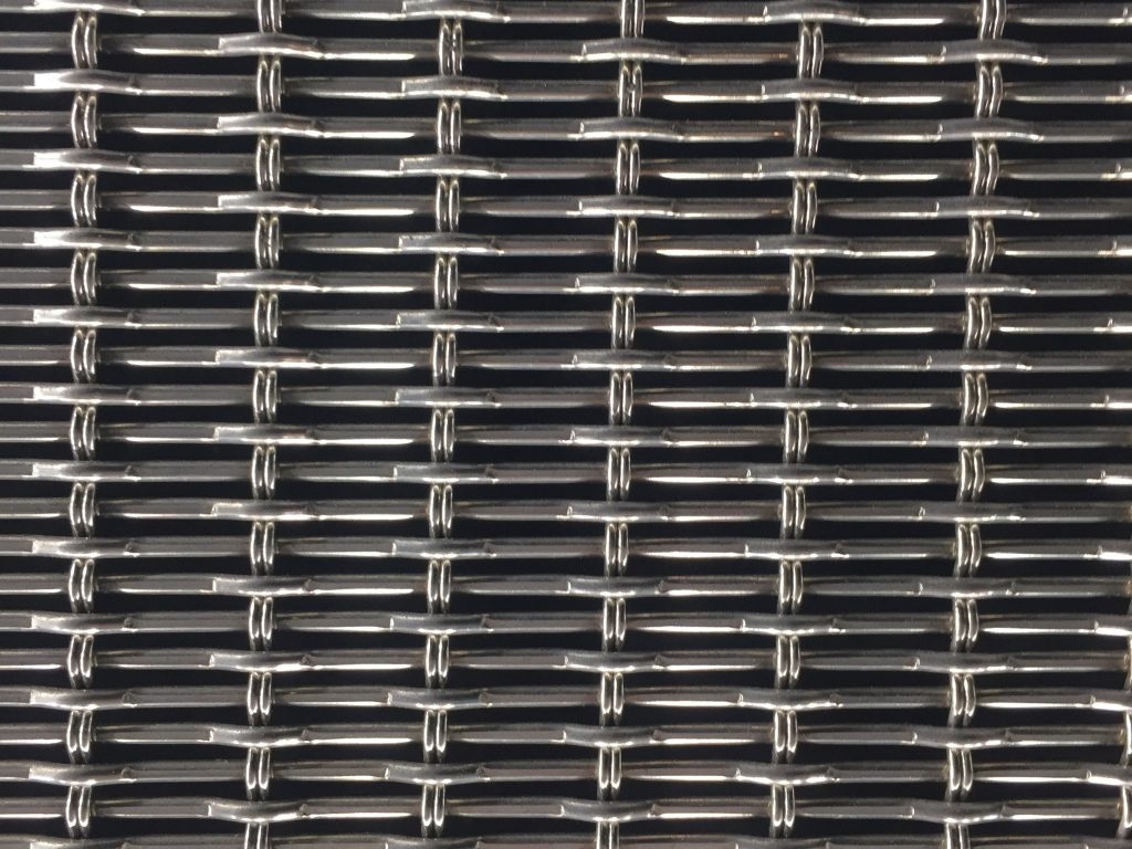 Grid of metal links with glossy edges