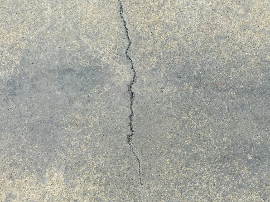 Pavement with single crack in center
