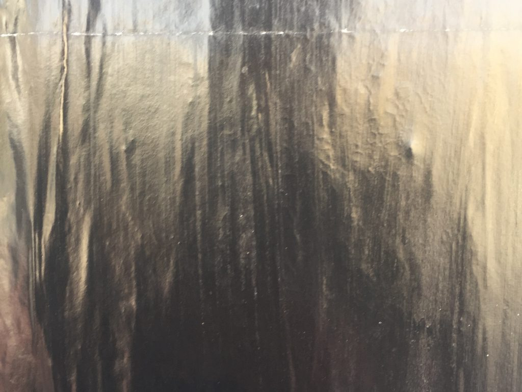 Metallic paper that is very shiny